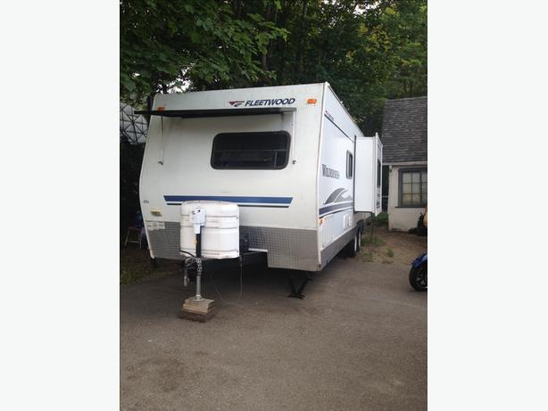26 foot fully self contained travel trailer
