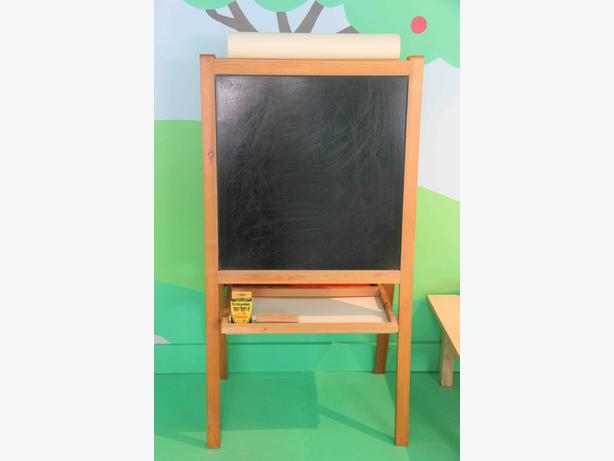 Easel with Whiteboard, Blackboard & Drawing Paper