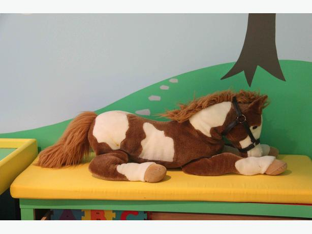 "42"" Horse"