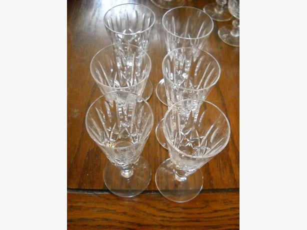 4U2C VINTAGE FLUTED 6 SHERRY WINE CRYSTAL GLASSES, CROSS and OLIVE PATTERN