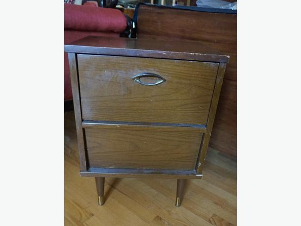 4u2c RETRO VINTAGE 2 DRAWER END TABLE