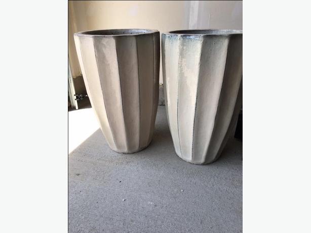 2 Ceramic Planters