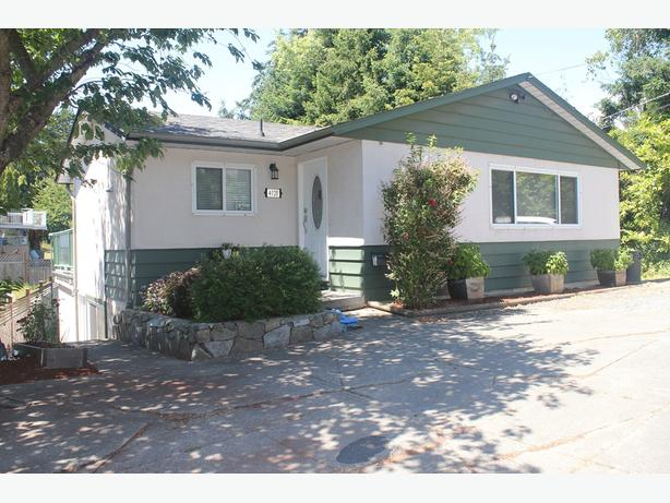 Glanford Area Home With Modern 2 Bedroom Suite For Sale By
