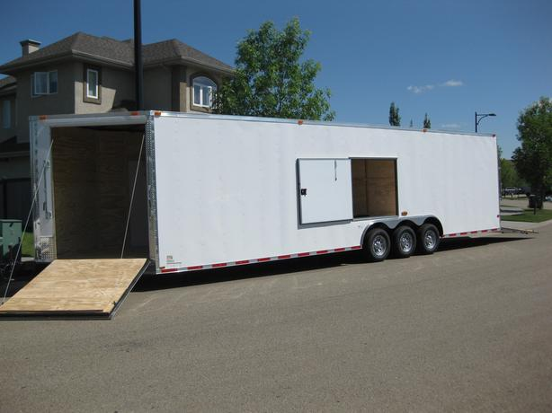 8.5' X 32' plus 5' V-NOSE 2018 NEW CYNERGY TRIPLE AXLE TRAILER
