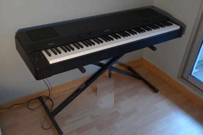 Yamaha full sized 88 key weighted action piano keyboard central ottawa inside greenbelt ottawa for Yamaha fully weighted keyboard