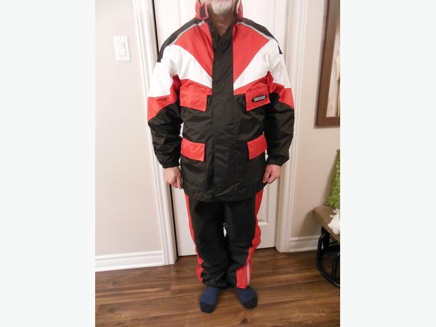 Suit for ATV or other / ensemble pr VTT ou autre