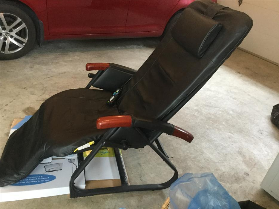Homedics inversion massage heat recliner chair priced to sell north nanaimo parksville - Massage chairs edmonton ...