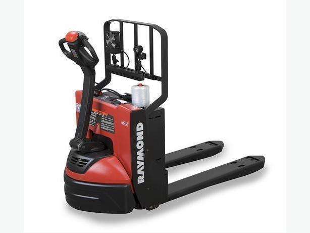 *NEW* Raymond Model 8210 Electric Pallet Jack.