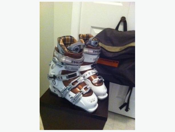 Womens Dalbello Raya 9 Ski Boots