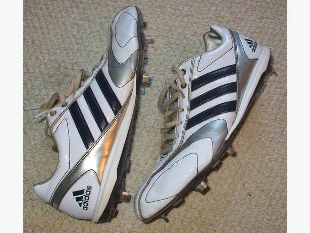 Baseball shoes Adidas -steel cleats- Mans sz. 9.5