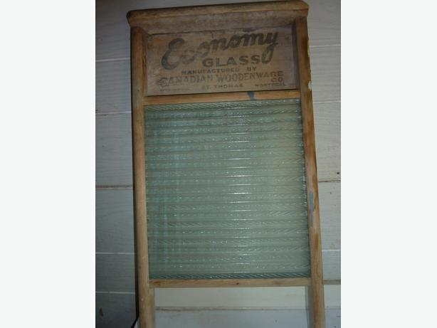 Vintage Wash Scrub Board