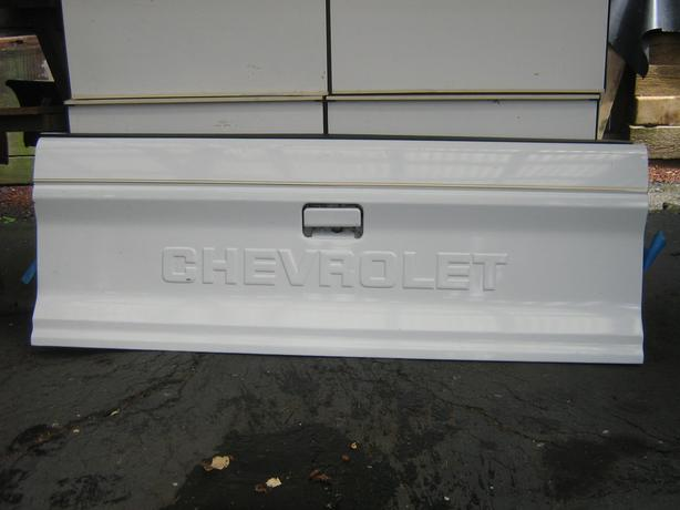 82-93 s10 or s15 tailgate