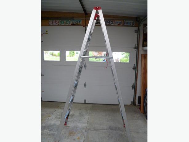 7' Folding Ladder