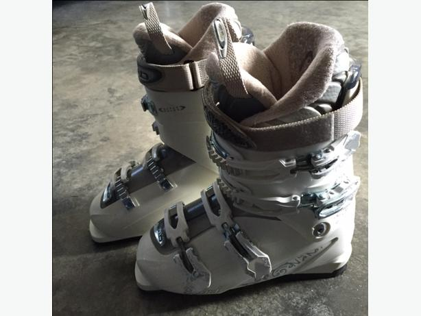 Women's Head Ski Boots