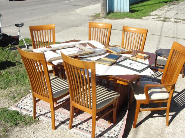 Table category furniture in Winnipeg MB MOBILE : 53932931614 from www.usedwinnipeg.com size 614 x 460 jpeg 70kB