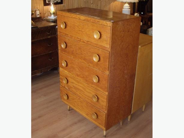 5 foot tall dresser