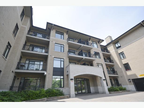 SOLD!!!!!PENT HOUSE~ 808 Bronson Ave #17