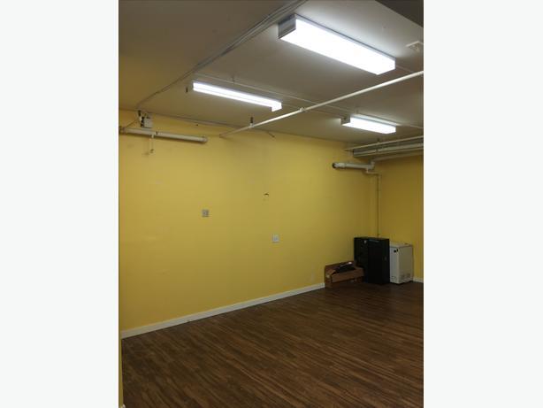 storage space for rent 17 5 39 x 20 39 victoria city victoria. Black Bedroom Furniture Sets. Home Design Ideas