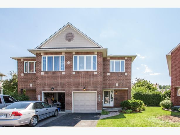 Power Marketing Real Estate -  5947 Pineglade Cr