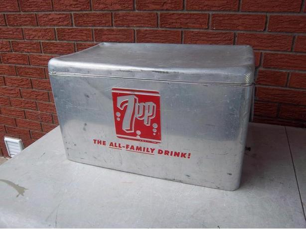 7 up Classic Vintage cooler  1950's