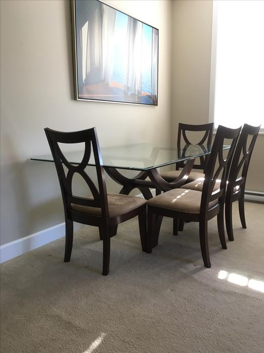 BEAUTIFUL SWISS DESIGN GLASS DINING ROOM TABLE AND CHAIR  : 54014489934 from www.usedvictoria.com size 525 x 700 jpeg 43kB