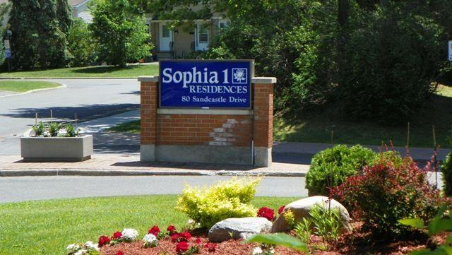 Top Floor Condo In Beautiful Building Valley Stream Leslie Park Area Nepean Ottawa
