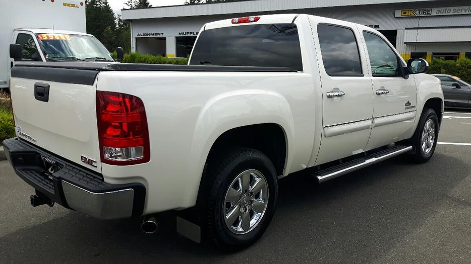 used 2013 gmc sierra 1500 sle 4x4 white diamond for sale in parksville parksville nanaimo mobile. Black Bedroom Furniture Sets. Home Design Ideas