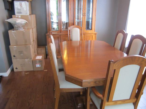 Oak Dining Room And Hutch Kanata Ottawa