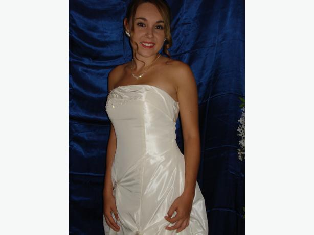 NEW WEDDING DRESS, size 0-5