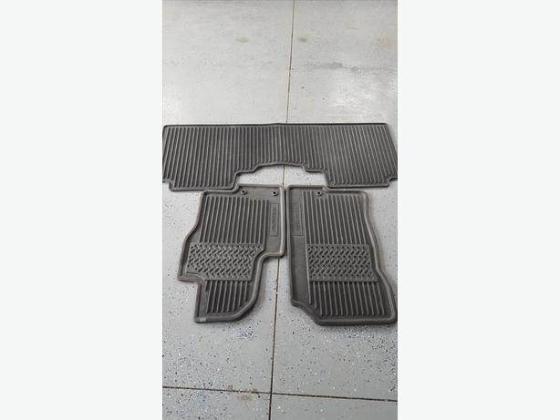 Nissan Frontier All season floor mats