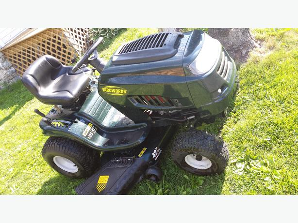Yardworks Lawn Tractor 17 5 42 Osgoode Ottawa