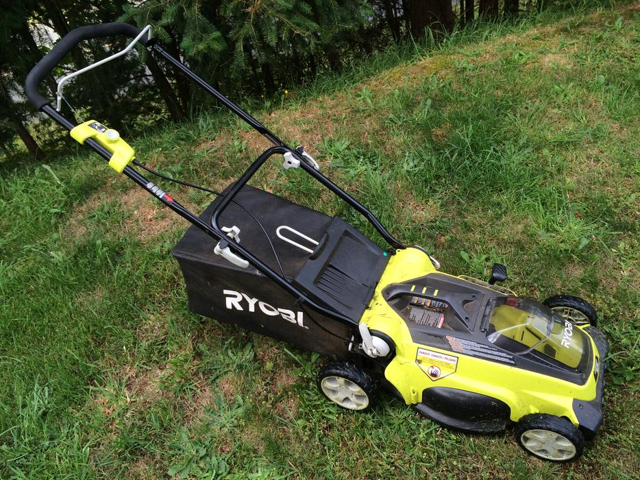 Ryobi 40v Cordless Lawn Mower With 2 Batteries And