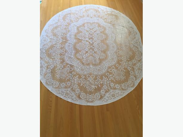 Lace Table Cloth, Table Runners, Doilies