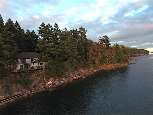 Waterfront home on Galiano Island