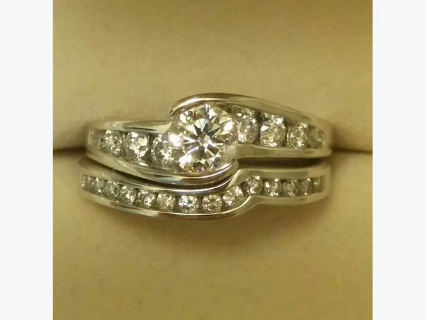 Canadian Engagement and Wedding ring set