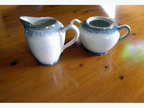 CREAMER & SUGAR BOWL