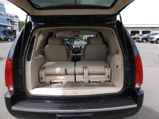2008 Cadillac Escalade For Sale: 2008 CADILLAC ESCALADE AWD ULTRA LUXURY FOR SALE Outside