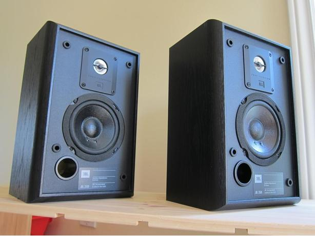 JBL 2500 STEREO BOOKSHELF SPEAKERS *NICE*