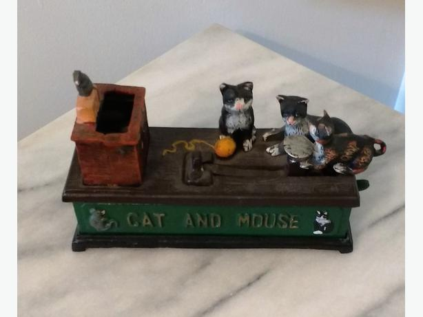 VINTAGE CAST IRON MECHANICAL BANK - CAT AND MOUSE