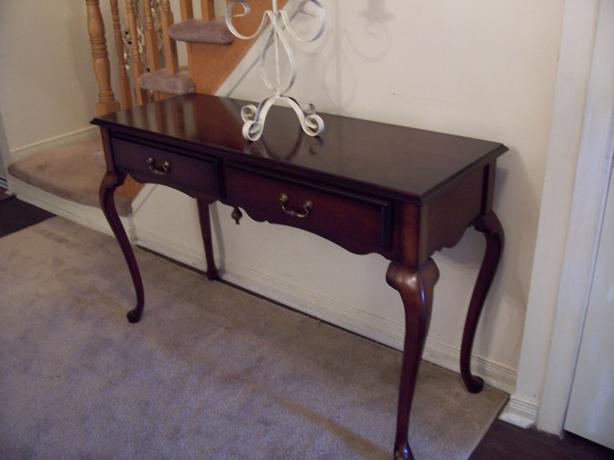 Mint elegant queen anne console table for sale i deliver gloucester ottawa mobile - Used console table for sale ...