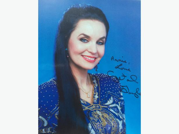 Crystal Gayle autograph for sale