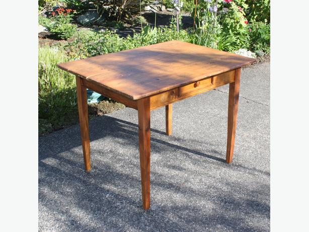 Pine Shaker Style Table