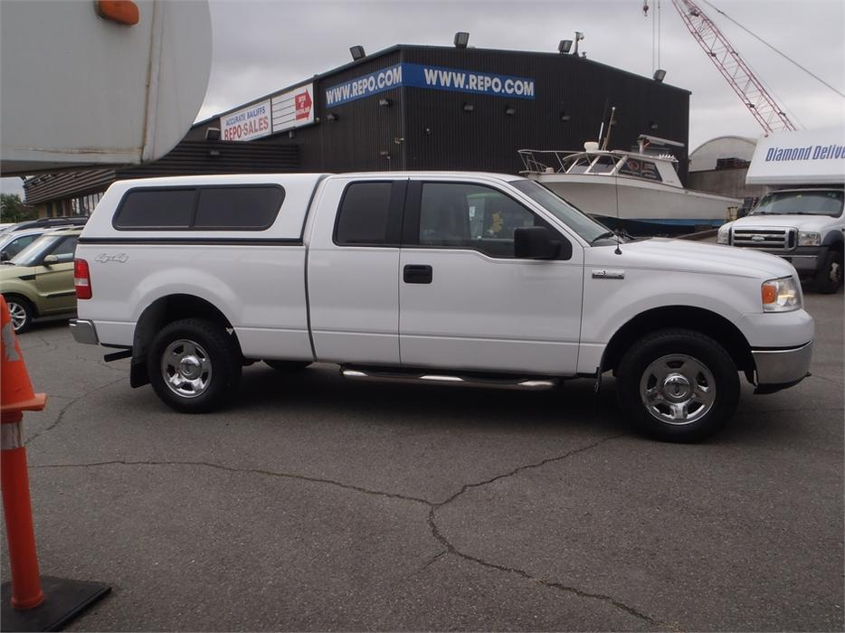 2006 ford f 150 extended cab xlt 5 4 triton short box with canopy burnaby incl new westminster. Black Bedroom Furniture Sets. Home Design Ideas