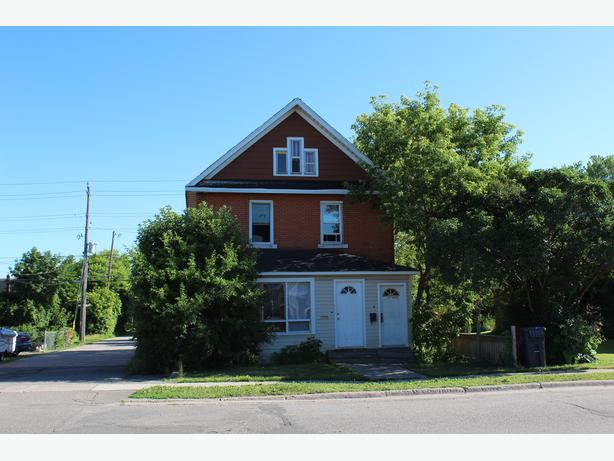 NEW LISTING - 172 CATHCART STREET