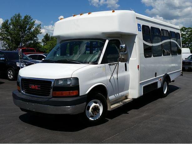 2006 GMC Savana Wheelchair / Handicap Van-Bus