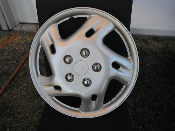 snap on wheel cover that was for a 2007 Honda civic
