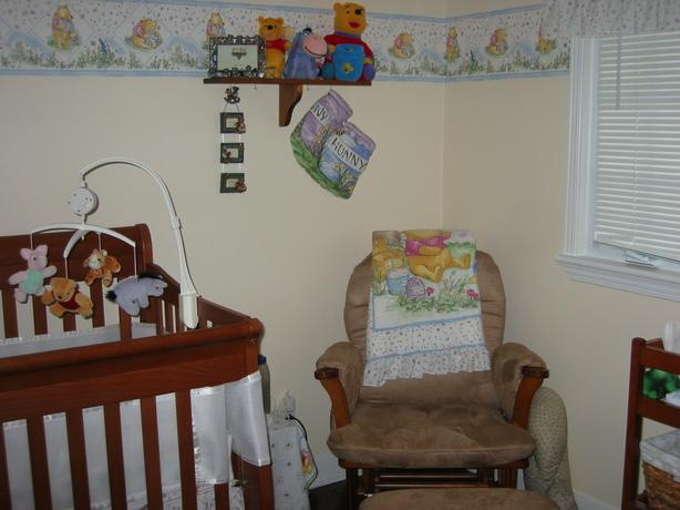 Like New Winnie the Pooh Crib 17 Piece Bedding & Accessories - $250 obo