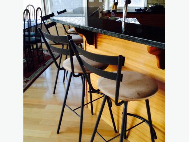 Set Of 5 Bar Height Swivelling Metal And Faux Suede Bar
