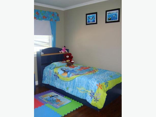 14 Piece Finding Nemo Dory Twin Single Bedding Set - $125 obo