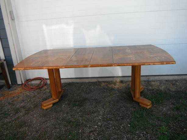 6' all wood dining table (2-1' leafs or 4' with no leafs- N. Duncan
